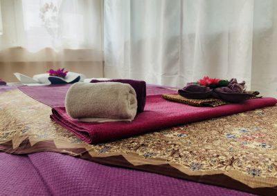 Dekoration auf Massageliege